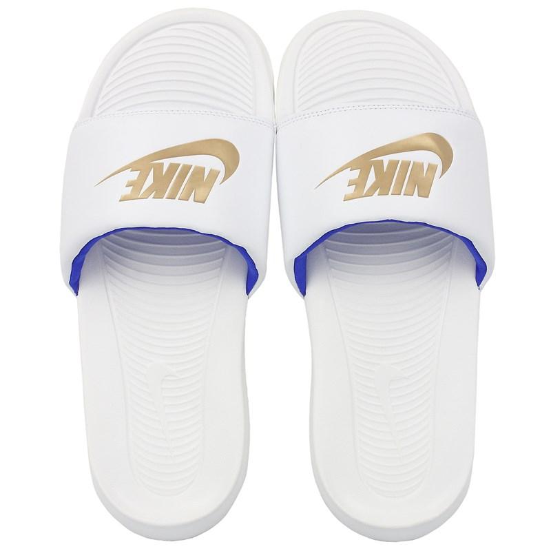 Chinelo Nike Victori One Slide Summit White Metallic Gold
