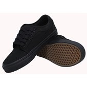 Tênis Vans Chukka Low Blackout